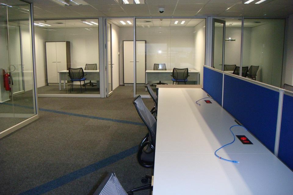 Vortex_Office-Desks-01-6